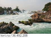 Khone Phapheng Waterfalls, Mekong River, Laos, Asia. Стоковое фото, фотограф Zoonar.com/Alexander Ludwig / easy Fotostock / Фотобанк Лори