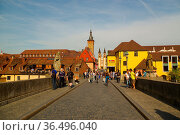 Wurzburg, Germany - May 06, 2015: the View over the Old Main Bridge... Стоковое фото, фотограф Zoonar.com/PAUL WASCHTSCHENKO / age Fotostock / Фотобанк Лори