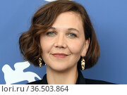 Maggie Gyllenhaal during 'The Lost Daughter' photocall, 78th Venice... Редакционное фото, фотограф AGF/Maria Laura Antonelli / age Fotostock / Фотобанк Лори