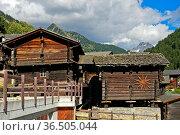 Walliser Chalets, Binn, Binntal, Wallis, Schweiz / Valaisian chalets... Стоковое фото, фотограф Zoonar.com/Pant / age Fotostock / Фотобанк Лори
