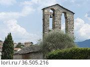 Ss. giacomo and filippo church, ossuccio, italy. Стоковое фото, фотограф Danilo Donadoni / age Fotostock / Фотобанк Лори