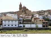 Oliete, town and Nuestra Senora de la Asuncion (17th century). Andorra... Стоковое фото, фотограф J M Barres / age Fotostock / Фотобанк Лори