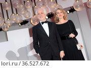 Toni Servillo, Manuela Lamanna during The King of Laughter red carpet... Редакционное фото, фотограф Antonelli / AGF/Maria Laura Antonelli / age Fotostock / Фотобанк Лори