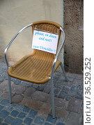 Stuhl, sitzplatz, ruhe, ausruhen, rast, schild, rasten, ruhen, rastplatz... Стоковое фото, фотограф Zoonar.com/Volker Rauch / easy Fotostock / Фотобанк Лори