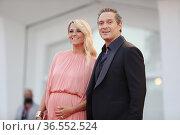 Claudio Santamaria with wife Francesca Barra during the Red carpet... Редакционное фото, фотограф Mirco Toniolo / AGF/Mirco Toniolo / AGF / age Fotostock / Фотобанк Лори