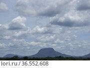 Afternoon view of Gunung Serapi, Matang, Sarawak, East Malaysia. Стоковое фото, фотограф Chua Wee Boo / age Fotostock / Фотобанк Лори