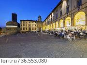 Arezzo Tuscany Italy. Piazza Grande at sunset. Стоковое фото, фотограф Marco Brivio / age Fotostock / Фотобанк Лори