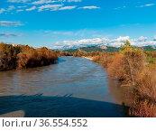 Blick von der Brücke über den Eurymedon flußaufwärts im Hintergrund... Стоковое фото, фотограф Zoonar.com/Wieland Hollweg / age Fotostock / Фотобанк Лори