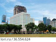 SINGAPORE, ASIA - MAY 14, 2015: Skyline of the metropolis Singapore... Стоковое фото, фотограф Zoonar.com/Alexander Ludwig / age Fotostock / Фотобанк Лори