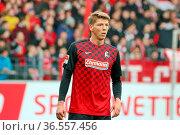 Comeback: Mike Frantz (Freiburg), Fussball: 2.BL. - 15/16 - SC Freiburg... Стоковое фото, фотограф Zoonar.com/Joachim Hahne / age Fotostock / Фотобанк Лори