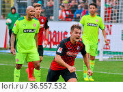 Amir Abrashi (Freiburg), Fussball: 2.BL. - 15/16 - SC Freiburg vs... Стоковое фото, фотограф Zoonar.com/Joachim Hahne / age Fotostock / Фотобанк Лори