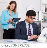 Secretary writing boss instructions. Стоковое фото, фотограф Яков Филимонов / Фотобанк Лори