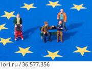 Im Jahr 2050 wird nach neuesten Studien in der EU die Altersgruppe... Стоковое фото, фотограф Zoonar.com/Hendrik Fuchs / easy Fotostock / Фотобанк Лори