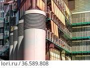 Detailfoto vom Verlagsgebäude Gruner und Jahr am Hamburger Hafen. Стоковое фото, фотограф Zoonar.com/Karl Heinz Spremberg / age Fotostock / Фотобанк Лори
