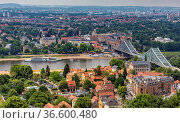 Blick auf die Elbe und der Brücke blaues Wunder in Dresden. Стоковое фото, фотограф Zoonar.com/Karl Heinz Spremberg / easy Fotostock / Фотобанк Лори