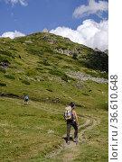 Ascent to Espuguettes refuge, Pyrenees National Park, Hautes-Pyrenees... Редакционное фото, фотограф Tolo Balaguer / age Fotostock / Фотобанк Лори