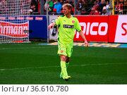 Uwe Bellinghausen gibt die Richtung vor, Fussball: 2.BL. - 15/16 - ... Стоковое фото, фотограф Zoonar.com/Joachim Hahne / age Fotostock / Фотобанк Лори