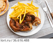 Just cooked pig's trotter on table. Стоковое фото, фотограф Яков Филимонов / Фотобанк Лори