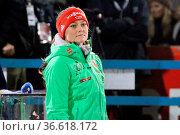 Schaute gespannt zu beim Sieg von Severin Freund (WSV DJK Rastbüchl... Стоковое фото, фотограф Zoonar.com/Joachim Hahne / age Fotostock / Фотобанк Лори