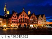 Römer, Rathaus, Frankfurt, Hessen, Deutschland | Roemer, Town hall... Стоковое фото, фотограф Zoonar.com/Günter Lenz / age Fotostock / Фотобанк Лори