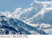 Beeindruckendes Wolkentreiben in den Urner Alpen vom Sustenpass aus... Стоковое фото, фотограф Zoonar.com/Hans Eder / age Fotostock / Фотобанк Лори