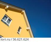 Haus, neubau , architektur, dach, hausbau, wohnen, wohnhaus, bauindustrie... Стоковое фото, фотограф Zoonar.com/Volker Rauch / easy Fotostock / Фотобанк Лори