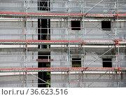 Baustelle, rohbau, hausbau, bau, bauen, bauindustrie, baugewerbe,... Стоковое фото, фотограф Zoonar.com/Volker Rauch / easy Fotostock / Фотобанк Лори