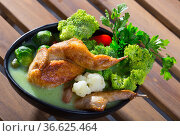 Tasty soup with quail, brussels sprouts, broccoli, and cauliflower. Стоковое фото, фотограф Яков Филимонов / Фотобанк Лори