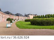 Шветцинген, Германия. Вид замка (Schloss Schwetzingen) со стороны парка (2017 год). Стоковое фото, фотограф Rokhin Valery / Фотобанк Лори