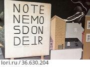 Kunsthaus Vila Ocupada in Nantes: Wir haben keinen ort, an den wir... Стоковое фото, фотограф Zoonar.com/Robert B. Fishman / age Fotostock / Фотобанк Лори