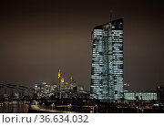 Neues Bürogebäude der Europäischen Zentralbank (EZB) in Frankfurt. Стоковое фото, фотограф Zoonar.com/ironjohn / easy Fotostock / Фотобанк Лори