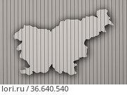 Karte von Slowenien auf Wellblech - Map of Slovenia on corrugated iron. Стоковое фото, фотограф Zoonar.com/lantapix / easy Fotostock / Фотобанк Лори