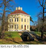 Dessau Luisium 05. Стоковое фото, фотограф Zoonar.com/LIANEM / easy Fotostock / Фотобанк Лори