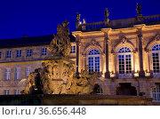 Bayreuth Neues Schloss Nacht - Bayreuth New Palace by night 01. Стоковое фото, фотограф Zoonar.com/Liane Matrisch / easy Fotostock / Фотобанк Лори