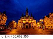 Liberec Rathaus Nacht - Liberec townhall night 02. Стоковое фото, фотограф Zoonar.com/Liane Matrisch / easy Fotostock / Фотобанк Лори
