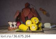 Горячая вареная кукуруза. Редакционное фото, фотограф Евгений Будюкин / Фотобанк Лори