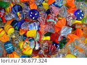 Bonbons, bonbon, süß, süßigkeit, naschen, nascherei, naschwerk, bunt... Стоковое фото, фотограф Zoonar.com/Volker Rauch / easy Fotostock / Фотобанк Лори