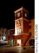 Uhrturm , Rovinj, Istrien, Toranj sa satom, kroatien, altstadt, turm... Стоковое фото, фотограф Zoonar.com/Volker Rauch / easy Fotostock / Фотобанк Лори