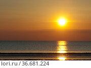 Sonnenuntergang, Abendrot, Abend, Стоковое фото, фотограф Zoonar.com/Manfred Ruckszio / age Fotostock / Фотобанк Лори