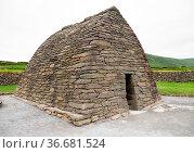 Gallarus Oratory, 8th Century early Christian church, in the Dingle... Стоковое фото, фотограф Zoonar.com/Rudolf Ernst / age Fotostock / Фотобанк Лори