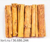 Top view of several sticks of continental ceylon cinnamon close up... Стоковое фото, фотограф Zoonar.com/Valery Voennyy / easy Fotostock / Фотобанк Лори