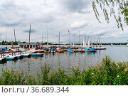 Hamburg, Germany - August 4, 2019: Aussenalster or Outer Alster Lake... Стоковое фото, фотограф Zoonar.com/@jjfarquitectos / age Fotostock / Фотобанк Лори