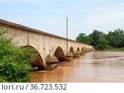 High level of Mekong and bridge between Don Det and Don Khone islands... Стоковое фото, фотограф Zoonar.com/Valeriy Shanin / age Fotostock / Фотобанк Лори