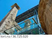 Aufzug von der Douro Ebene in den oberen Stadtteil in Porto - Portugal. Стоковое фото, фотограф Zoonar.com/Atlantismedia / easy Fotostock / Фотобанк Лори