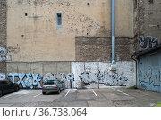 """Berlin, Germany - fire walls in a backyard"" Редакционное фото, агентство Caro Photoagency / Фотобанк Лори"