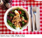 Salad with eggs, tuna and cherry tomatoes. Стоковое фото, фотограф Яков Филимонов / Фотобанк Лори