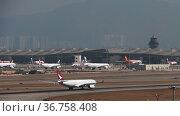 Passenger jet aircraft departure (2019 год). Редакционное видео, видеограф Игорь Жоров / Фотобанк Лори