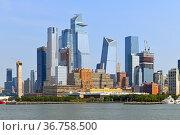 Cityscape of New York City. Hudson Yards Chelsea and Hudson Yards neighborhoods of Manhattan. Стоковое фото, фотограф Валерия Попова / Фотобанк Лори