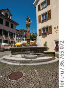 Brunnen Samson und Loewe, Solothurn, Kanton Solothurn, Schweiz/Solothurn... Стоковое фото, фотограф Zoonar.com/Günter Lenz / age Fotostock / Фотобанк Лори