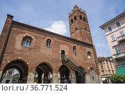 Arengario of Monza (Town Hall), Piazza Roma (Rome Square), Monza, ... Стоковое фото, фотограф Arthur S. Ruffino / age Fotostock / Фотобанк Лори
